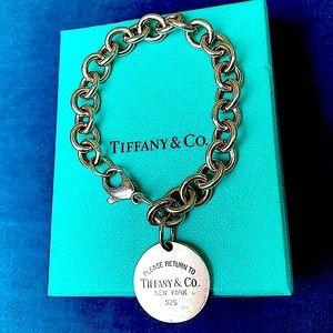 Classy Tiffany & Co. Tag Circle Bracelet Authentic